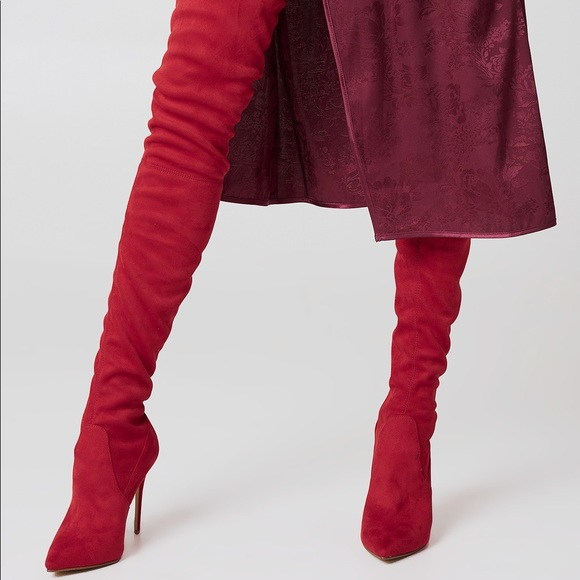 f76091d3560 New Steve Madden Dominique red boots